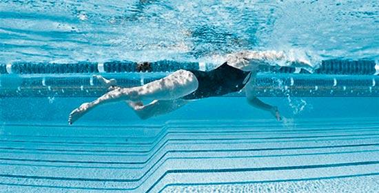 Технические ошибки в плавании пловца типа бамбино